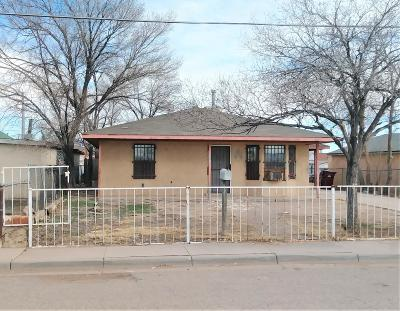 Valencia County Single Family Home For Sale: 302 3rd Street