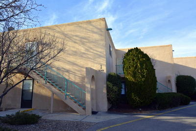 Albuquerque Attached For Sale: 4709 Country Club Lane NW #APT I8
