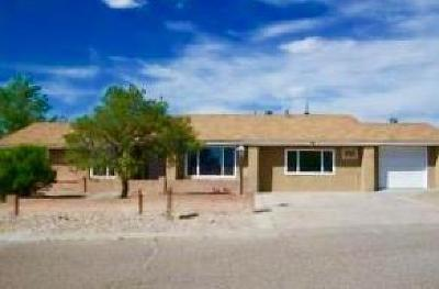 Valencia County Single Family Home For Sale: 64 Pageant Drive