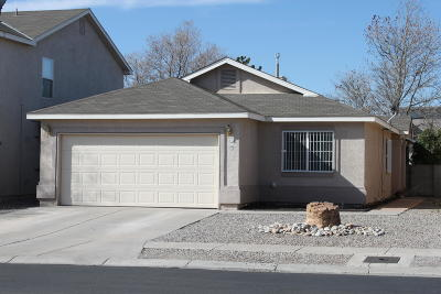 Albuquerque Single Family Home For Sale: 635 Vista Luna Lane SW