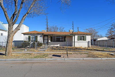 Valencia County Single Family Home For Sale: 212 5th Street