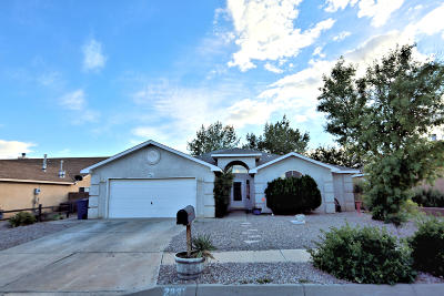 Los Lunas Single Family Home For Sale: 2231 Lonestar Street SW