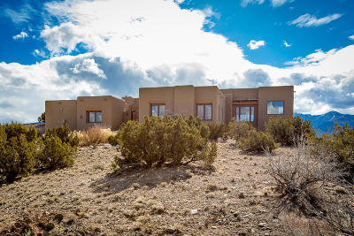 Placitas Single Family Home For Sale: 9 Dream Catcher Trail