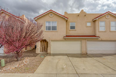 Attached For Sale: 720 Mesa Del Rio Street NW