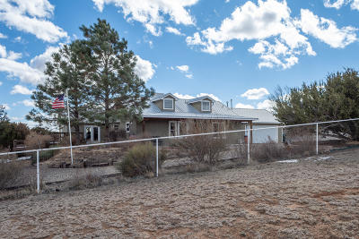 Tijeras, Cedar Crest, Sandia Park, Edgewood, Moriarty, Stanley Single Family Home For Sale: 28 Weathersby Drive
