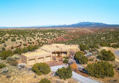 Tijeras, Cedar Crest, Sandia Park, Edgewood, Moriarty, Stanley Single Family Home For Sale: 13 La Aguapa