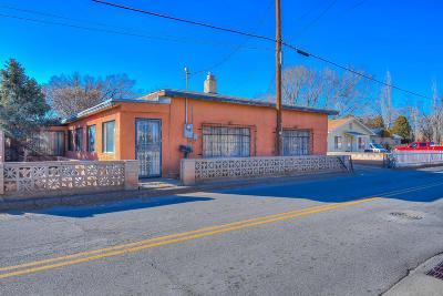 Albuquerque Single Family Home For Sale: 2520 Mountain Road NW