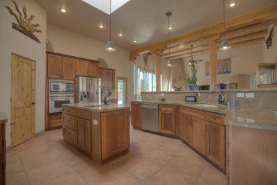 Placitas Single Family Home For Sale: 20 Bluebird Road