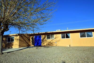 Albuquerque Single Family Home For Sale: 3308 Montclaire Drive NE