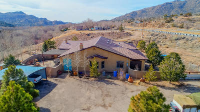 Albuquerque Single Family Home For Sale: 206 Hwy 333 East