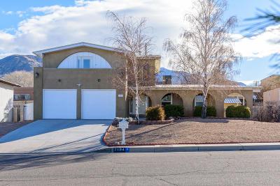 Albuquerque Single Family Home For Sale: 2104 Cleopatra Place NE