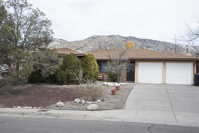Albuquerque NM Single Family Home For Sale: $210,000