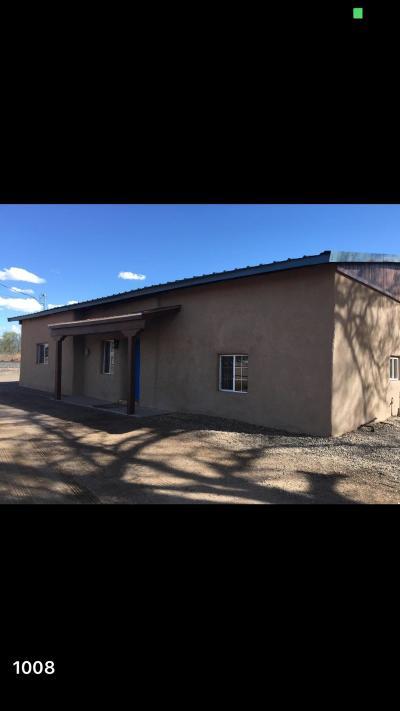 Valencia County Single Family Home For Sale: 28 Camino De Los Chavez