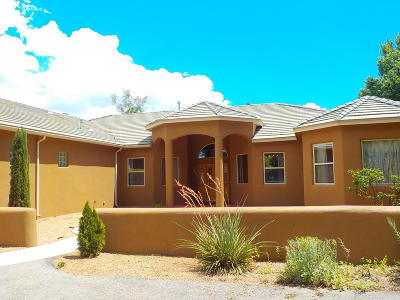 Albuquerque Single Family Home For Sale: 2718 Chapulin Road