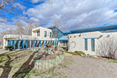 Albuquerque Single Family Home For Sale: 5733 Guadalupe Trail NW