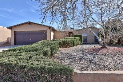 Single Family Home For Sale: 5312 Calle Serena NW