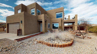 Rio Rancho Single Family Home For Sale: 1525 Viga Place SE