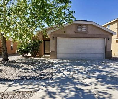 Albuquerque NM Single Family Home For Sale: $142,000