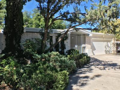 Single Family Home For Sale: 733 Valverde Drive SE