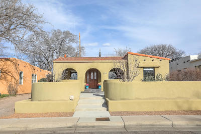 Albuquerque Single Family Home For Sale: 320 Amherst Drive NE