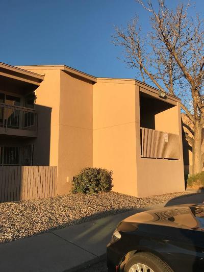 Albuquerque Attached For Sale: 4601 Carlisle Boulevard NE #C1