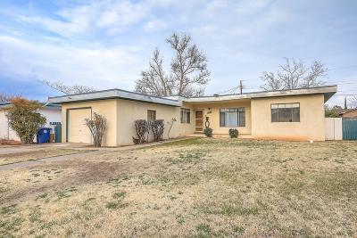 Single Family Home For Sale: 334 Chula Vista Place NE