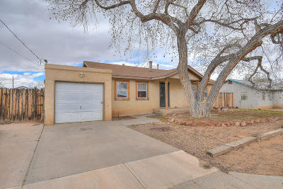 Valencia County Single Family Home For Sale: 1612 Jude Court