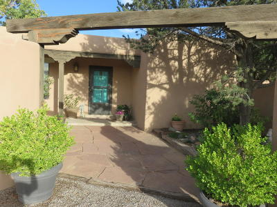Corrales Single Family Home For Sale: 1036 Camino Hermosa NW