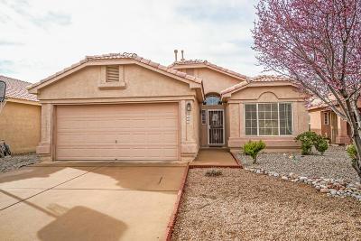 Bernalillo County Single Family Home For Sale: 7504 Via Serenita SW