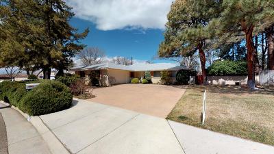 Single Family Home For Sale: 7705 Gladden Avenue NE