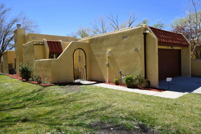 Attached For Sale: 608 Cottonwood Court SE