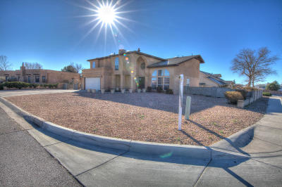 Rio Rancho Single Family Home For Sale: 768 Fairway Loop SE