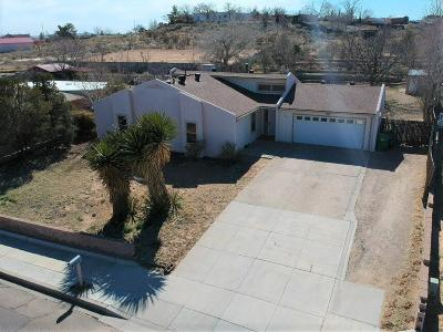 Rio Rancho Single Family Home For Sale: 700 Lisbon Avenue SE