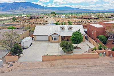 Rio Rancho Single Family Home For Sale: 900 Monterrey Road NE