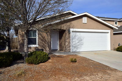 Sandoval County Single Family Home For Sale: 3769 Rancher Loop NE