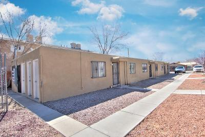 Albuquerque Multi Family Home For Sale: 424 Rhode Island Street NE