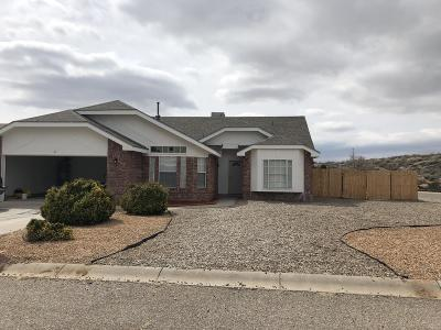 Valencia County Single Family Home For Sale: 2 Locust Street