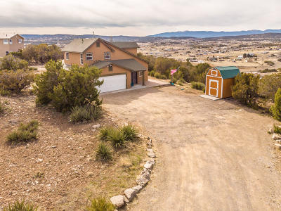 Tijeras, Cedar Crest, Sandia Park, Edgewood, Moriarty, Stanley Single Family Home For Sale: 30 Snowflake Trail