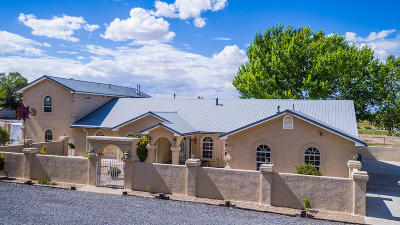 Los Lunas Single Family Home For Sale: 1 Adan Aragon Road