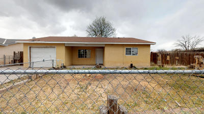 Valencia County Single Family Home For Sale: 1084 Balboa Court SE