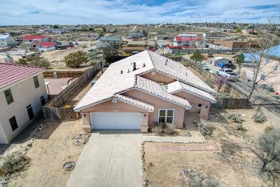 Rio Rancho Single Family Home For Sale: 1025 12th Street SE