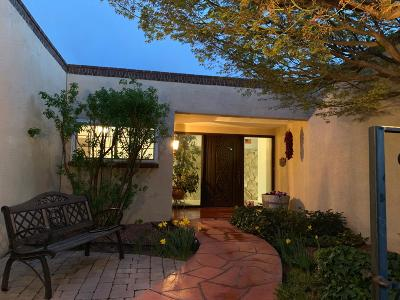 Single Family Home For Sale: 7928 Sartan Way NE