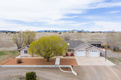 Tijeras, Cedar Crest, Sandia Park, Edgewood, Moriarty, Stanley Single Family Home For Sale: 7 Los Llanos Court