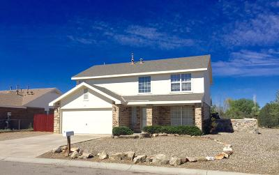 Los Lunas Single Family Home For Sale: 21 Dogwood Lane