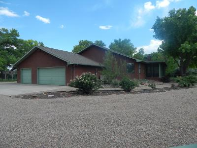 Valencia County Single Family Home For Sale: 68 Square Deal Road