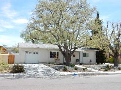Single Family Home For Sale: 332 Sierra Place NE