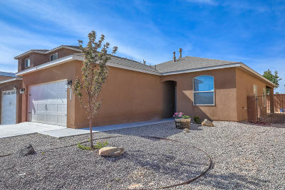Los Lunas Single Family Home For Sale: 642 Firewheel Loop SW