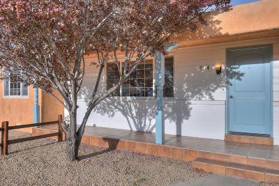 Single Family Home For Sale: 904 Monroe Street NE