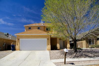 Los Lunas Single Family Home For Sale: 1079 Avenida Esplendida NW