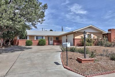 Single Family Home For Sale: 8415 La Palomita Road NE